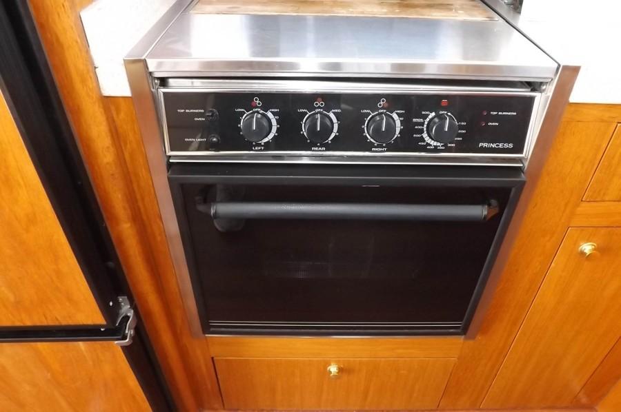 Propane 3 Burner Stove And Oven