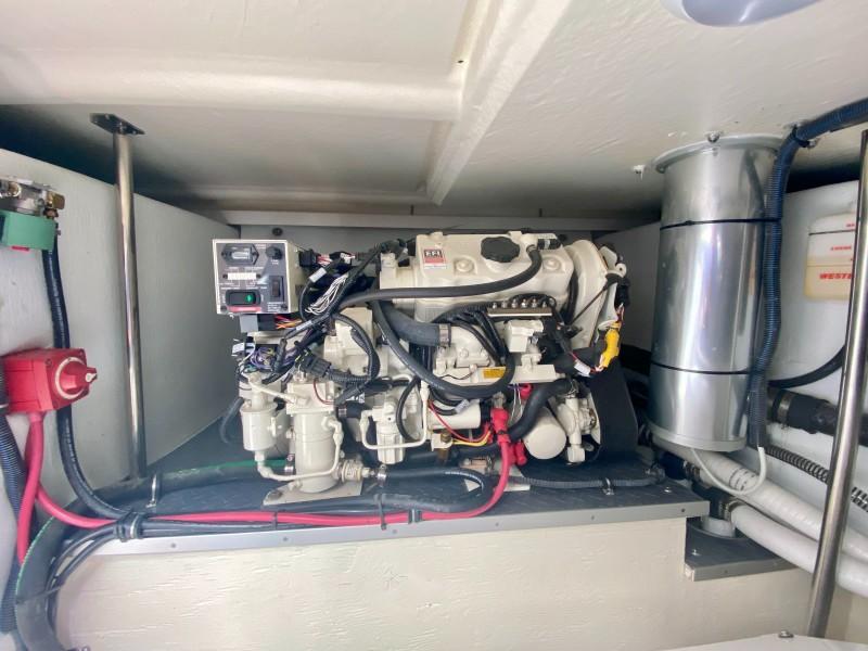 2019 Formula 400 Super Sport Crossover - Good Vibes - Engine Room