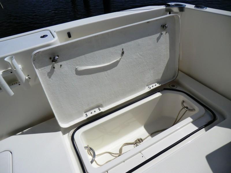 2009 Silverton 38 Convertible Cockpit Fishbox