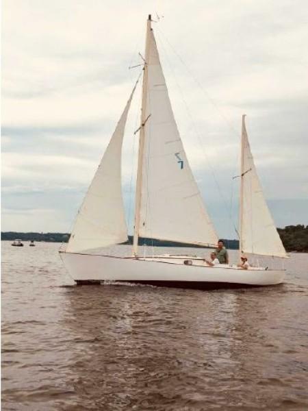 Photo of 28' Herreshoff Rozinante 1972