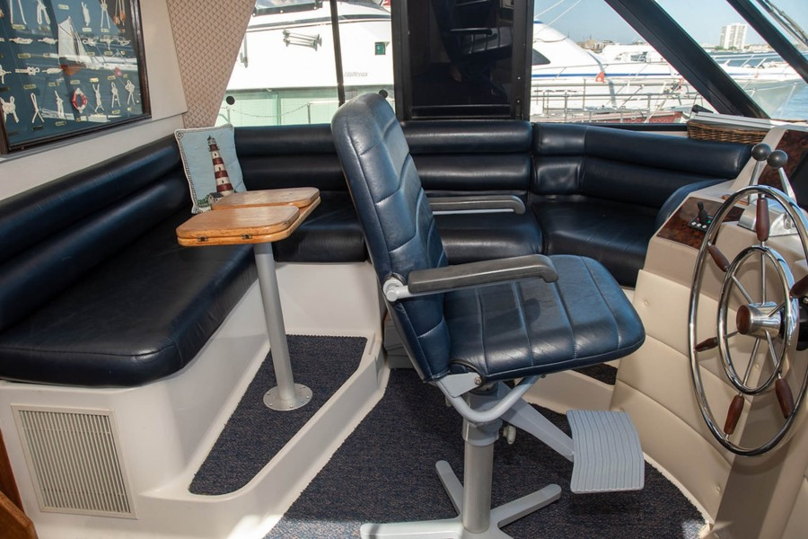 Pilothouse Helm Seat and Dinette
