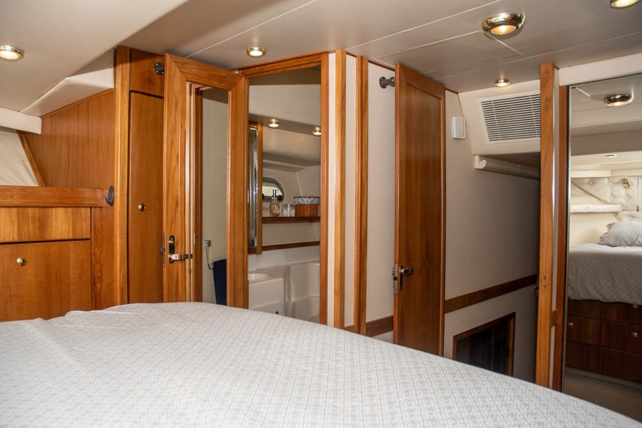 Master Aft and Ensuite Head