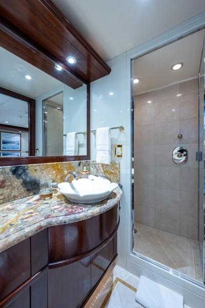 Port VIP Bath