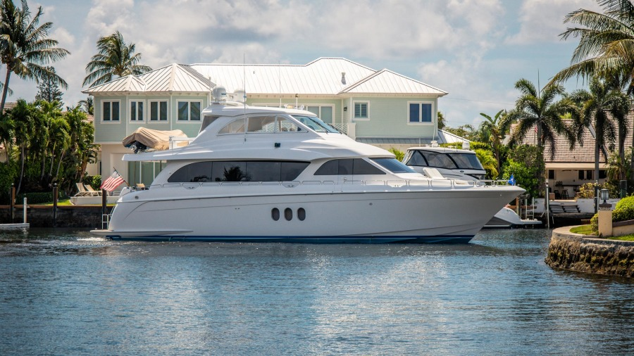 Photo of 72' Hatteras Motor Yacht 2013