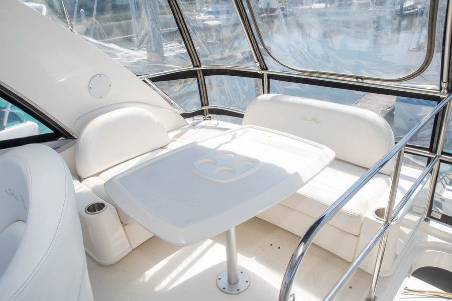 Flybridge Seating and Table