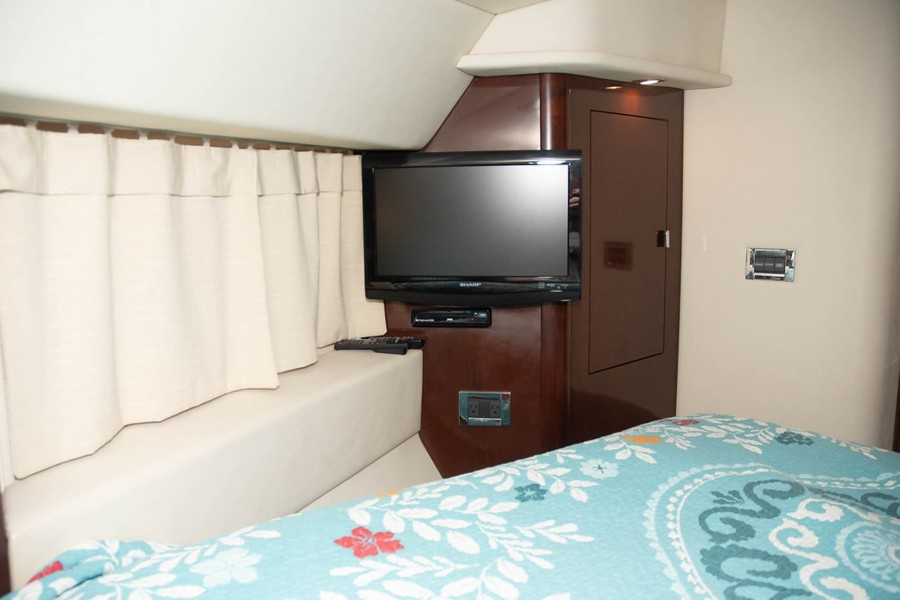 Flat screen TV with DVD player