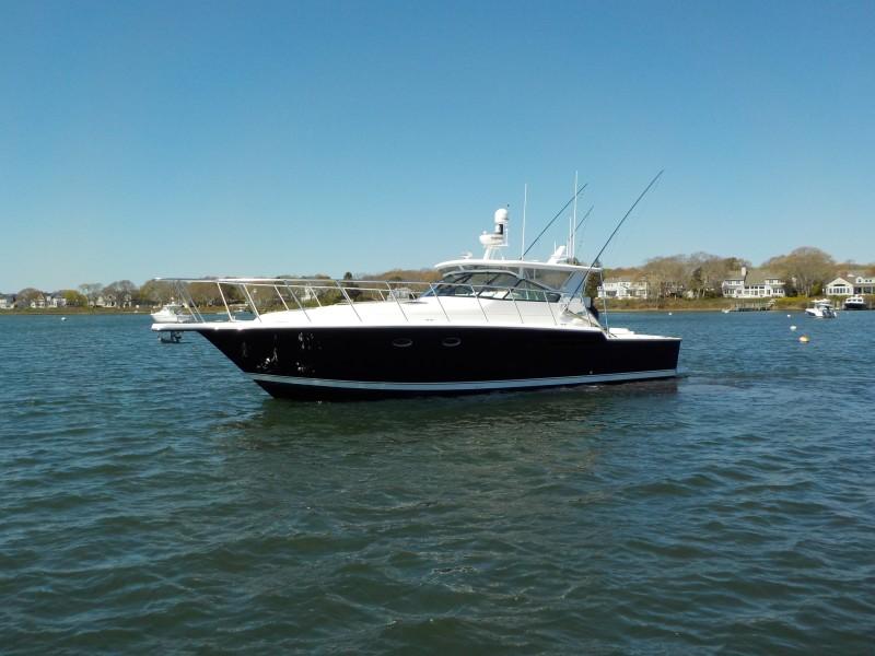 Tiara Yachts 43 - Sealady - Port Profile