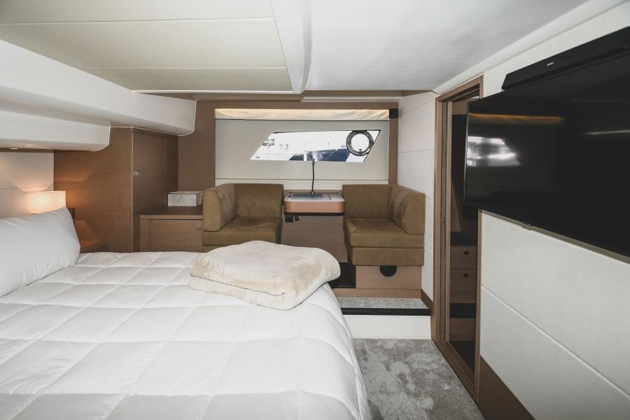 2017 Prestige 560 Flybridge  Master Stateroom (7)