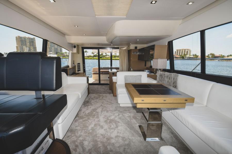 2017 Prestige 560 Flybridge  Salon