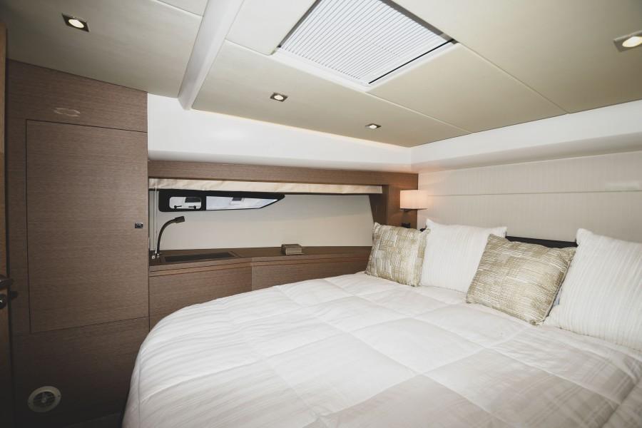 2017 Prestige 560 Flybridge  VIP Stateroom (3)