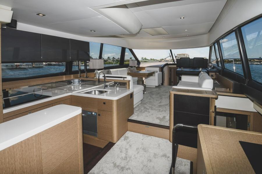 2017 Prestige 560 Flybridge  Salon (2)