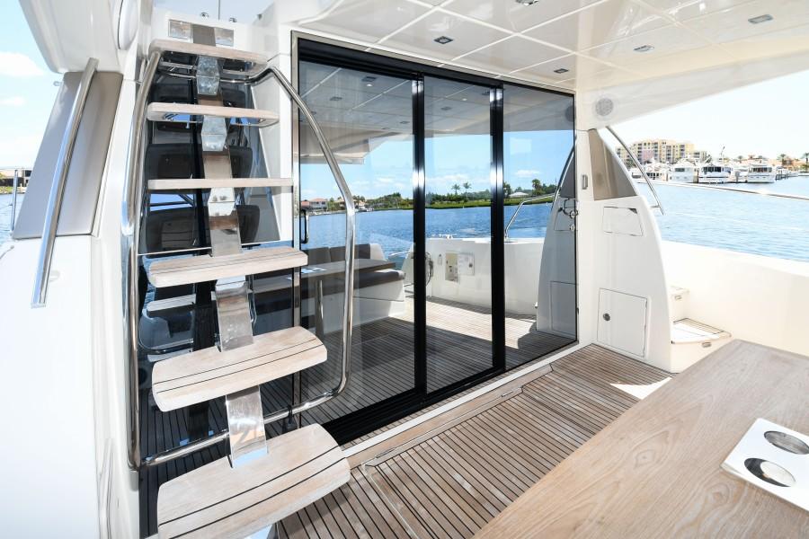 2017 Prestige 560 Flybridge  Aft Deck (4)