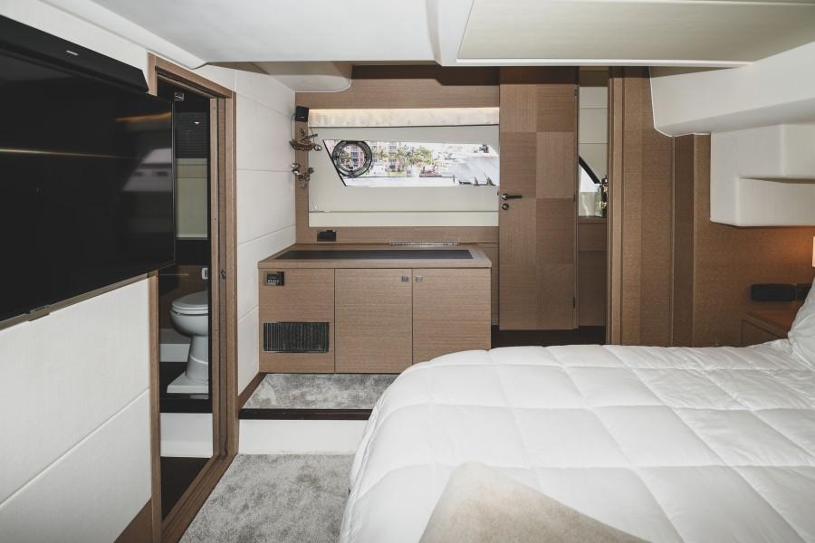 2017 Prestige 560 Flybridge  Master Stateroom (3)