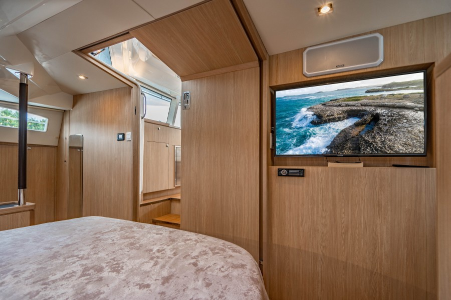 Aquila 44 - Points South II - Master Stateroom