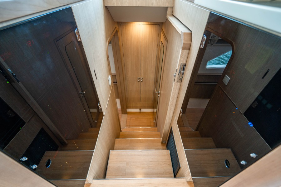 Aquila 44 - Points South II - Aft Entry