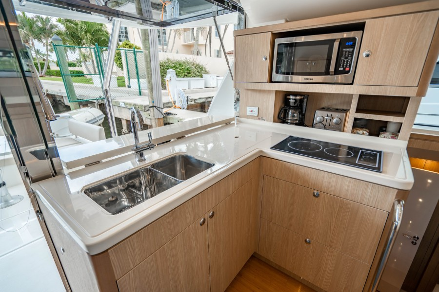 Aquila 44 - Points South II - Galley