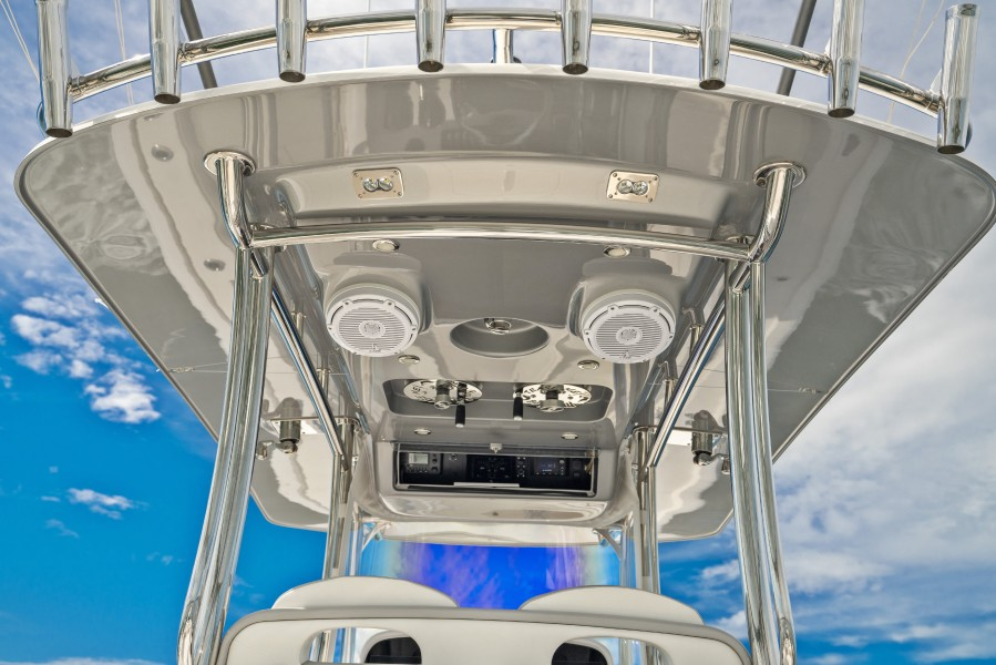 2019 33 Mag Bay Center Console - T-Top