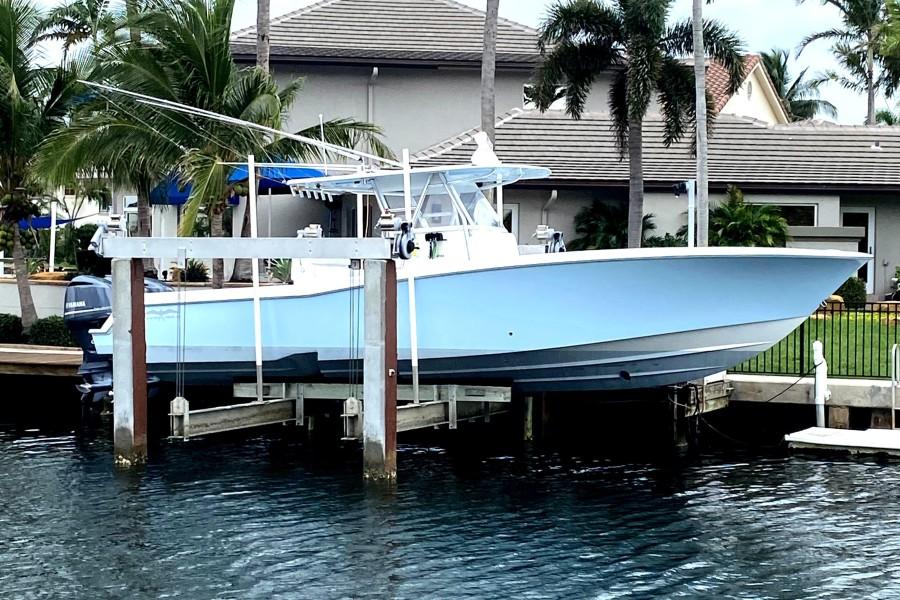 Invincible 2015 -Boca Raton-Florida-United States-1689840-featured