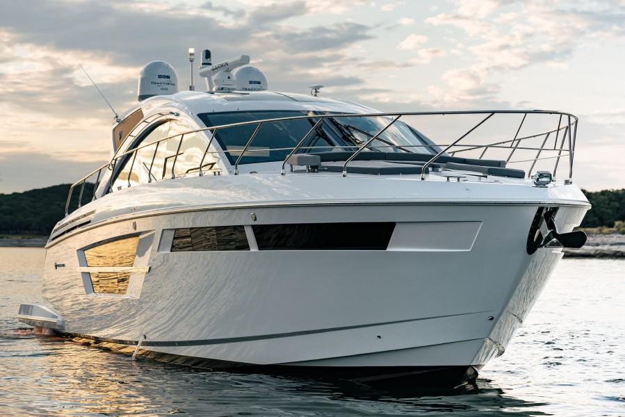 2021 Cruisers 54 Cantius