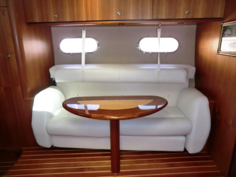 2008 3900 Tiara Sovran Sofa Converts To Over Under Berth