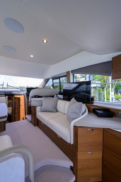 Princess Yachts - Take A Break - Salon