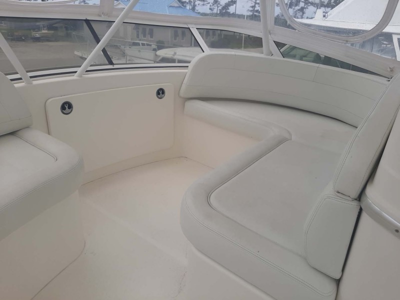 Helm Starboard Seating