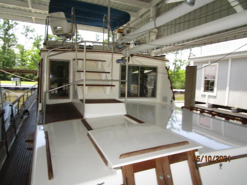 49' Grand Banks trunk cabin forward