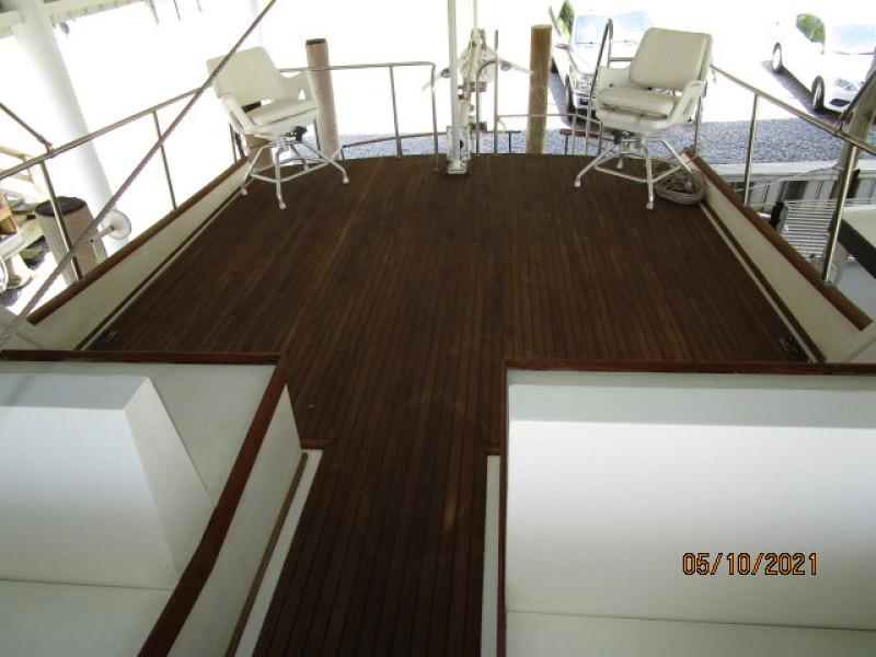 49' Grand Banks flybridge aft