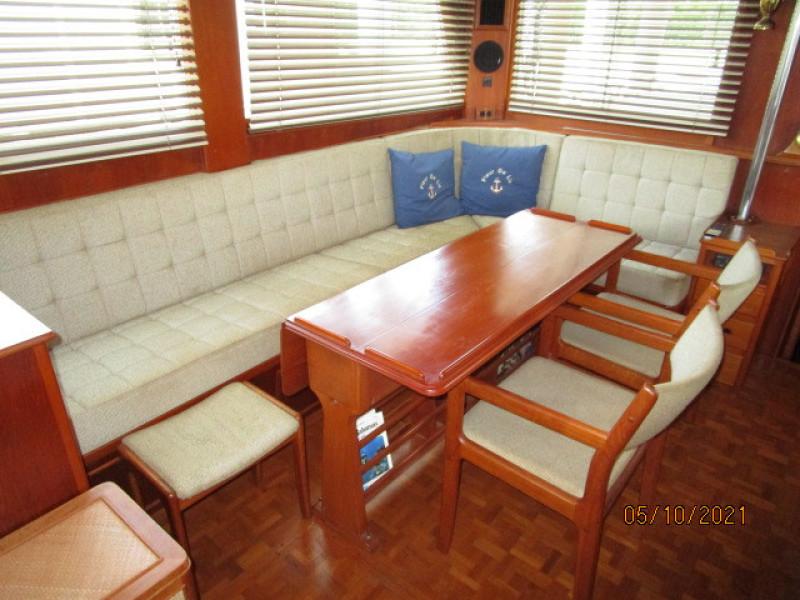49' Grand Banks salon starboard seating