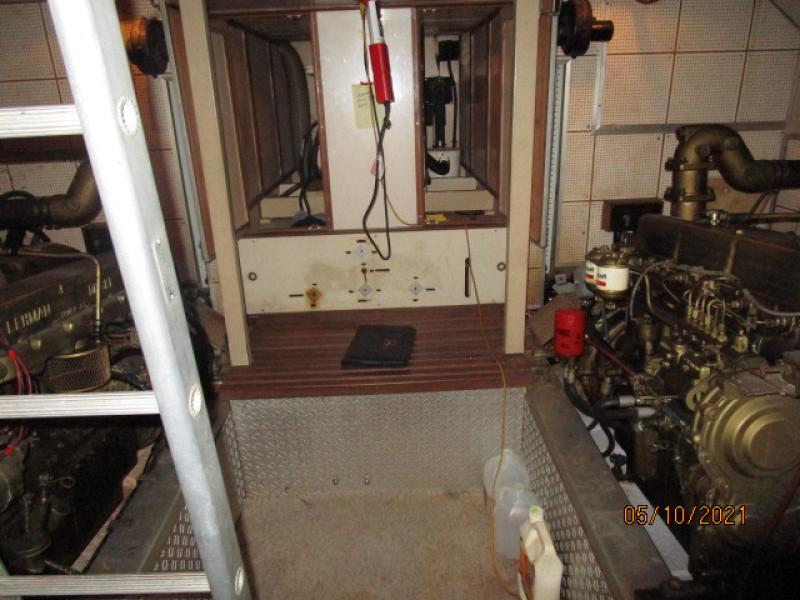49' Grand Banks engine room aft