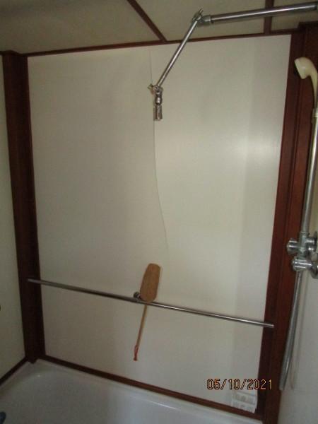 49' Grand Banks master stateroom shower