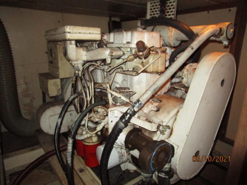 49' Grand Banks aft generator1