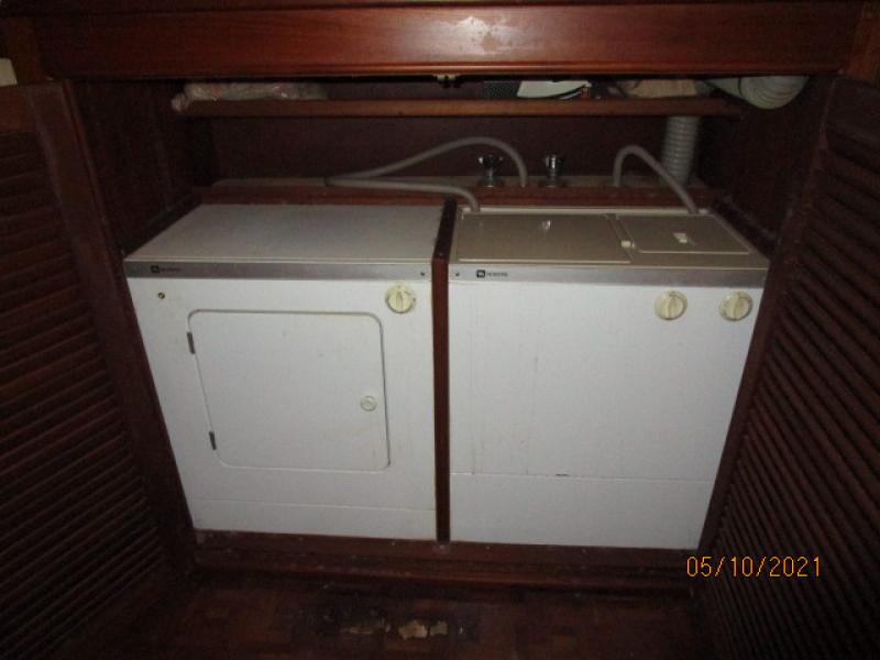 49' Grand Banks washer-dryer
