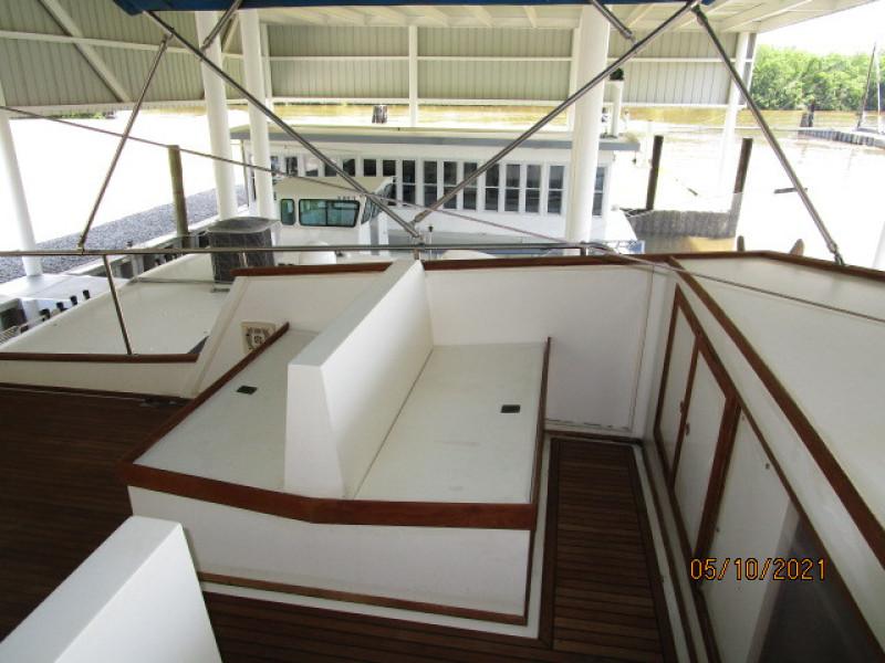 49' Grand Banks flybridge port