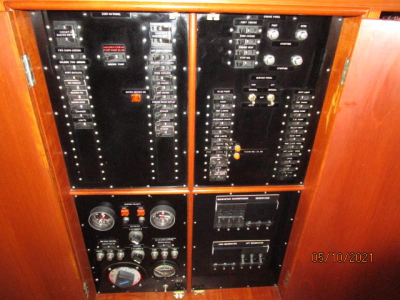 49' Grand Banks electrical panel