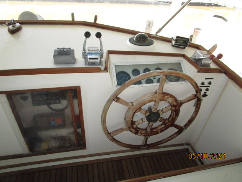 49' Grand Banks flybridge helm