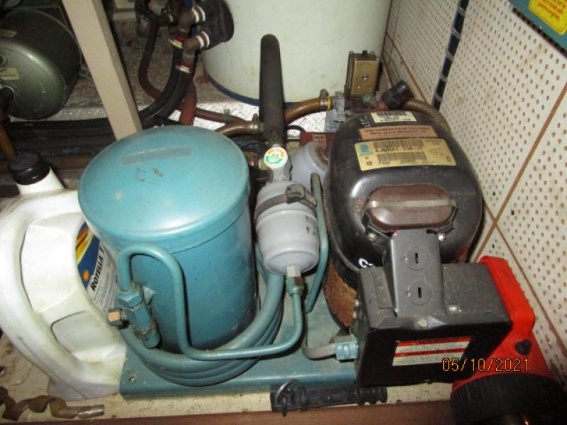 49' Grand Banks refrigeration