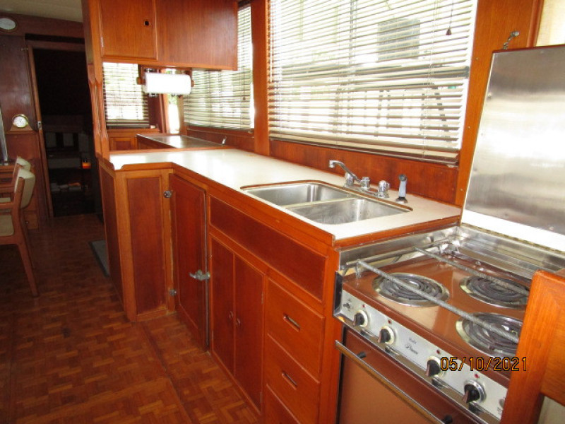 49' Grand Banks galley3