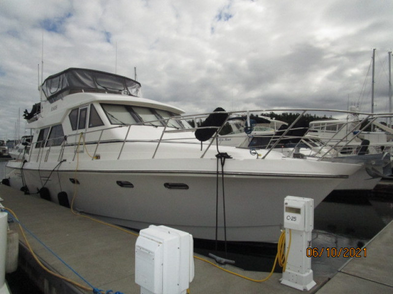 55' Symbol starboard forward profile