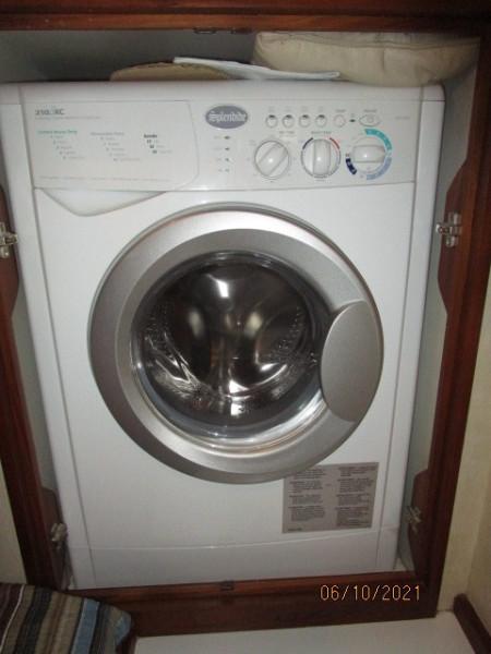 55' Symbol washer-dryer