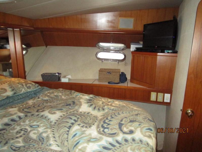 55' Symbol master stateroom starboard