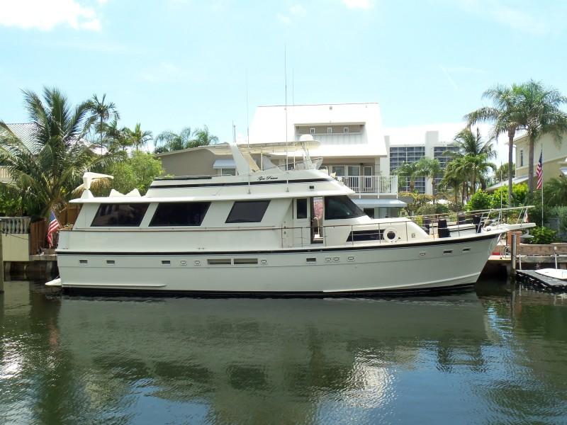 Photo of 63' Hatteras Flush Deck Flybridge Motor Yacht 1987