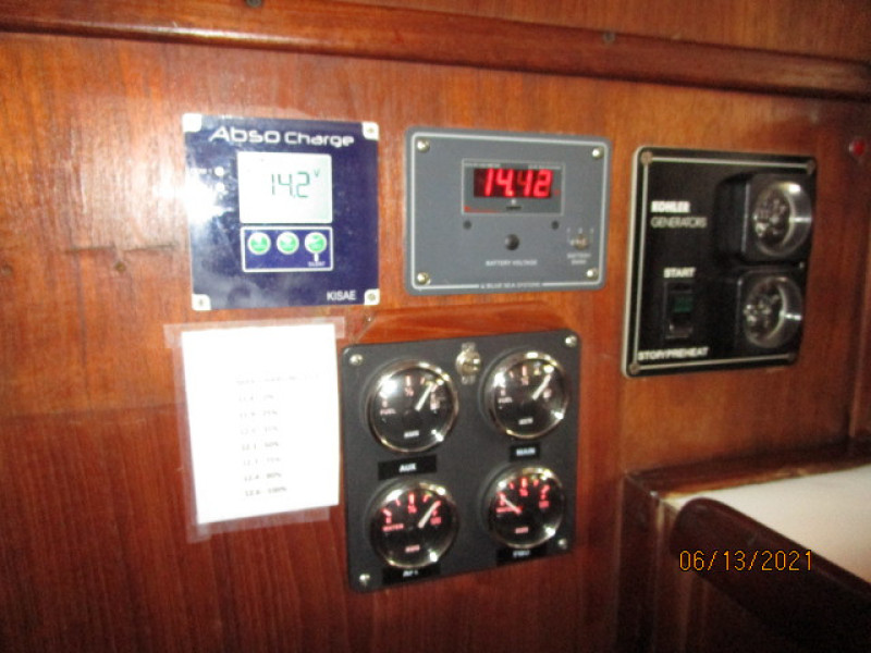 51' Morgan generator-battery panels