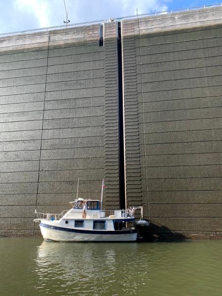 36' Kadey-Krogen port aft profile1
