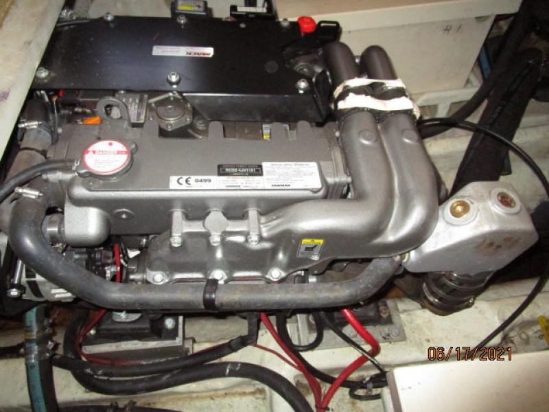 36' Kadey-Krogen main engine2