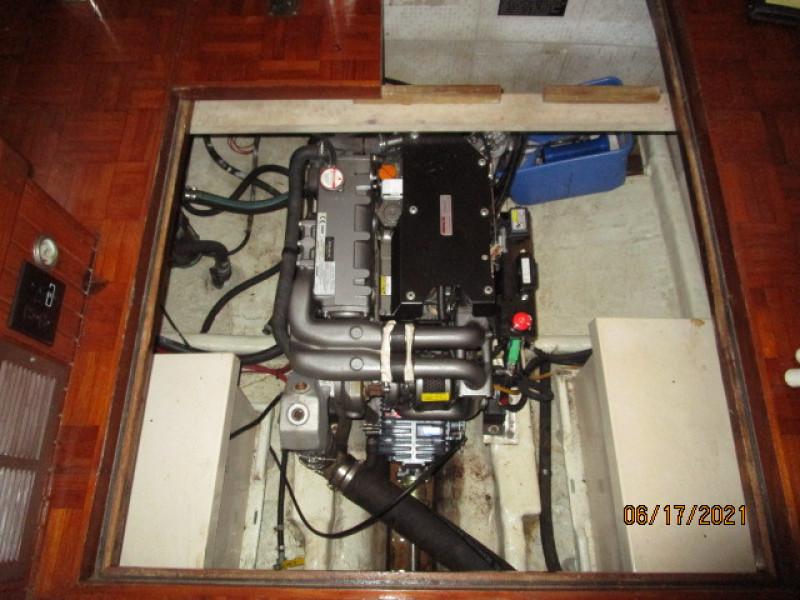 36' Kadey-Krogen engine compartment