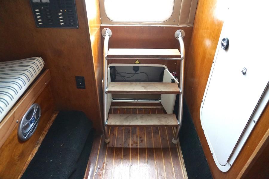 1972 31 G&S Express Fly Boy II Cabin (3)