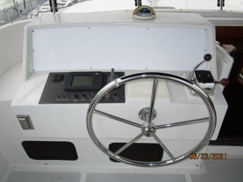 45' Symbol flybridge helm