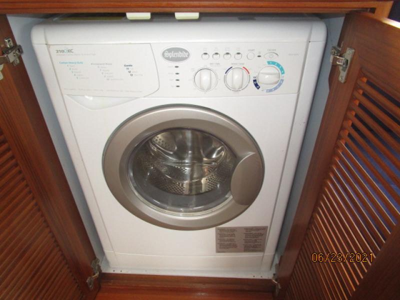 45' Symbol washer-dryer