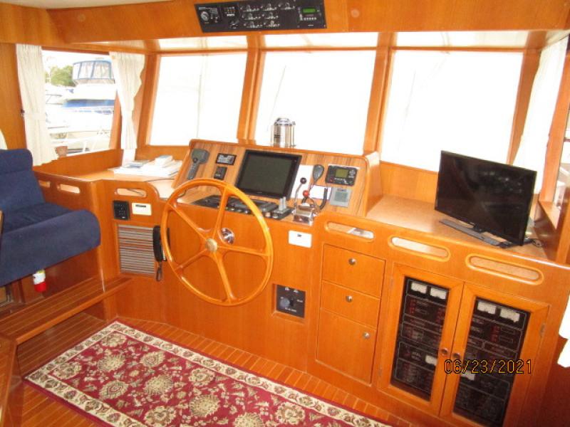 45' Symbol pilothouse forward